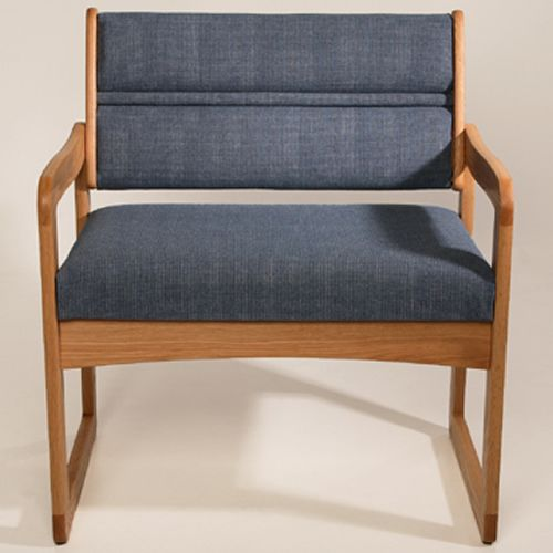 Dakota Wave Series - Single Bariatric Sled Base Chair