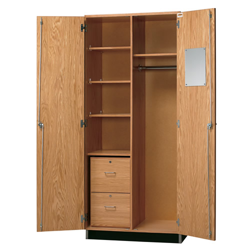 Teacheru0027s Wardrobe Closet